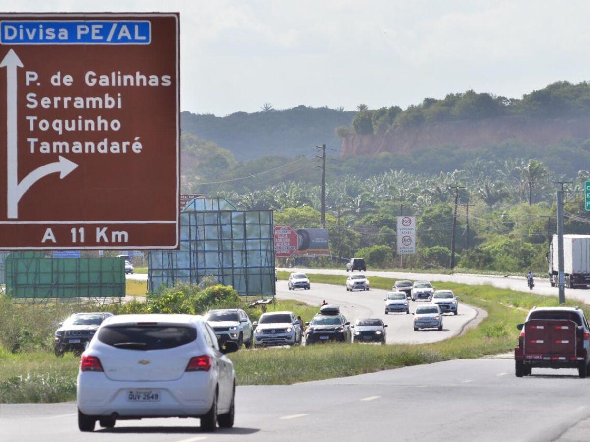 Rodovias federais com trânsito tranquilo na volta do feriadão - Folha PE