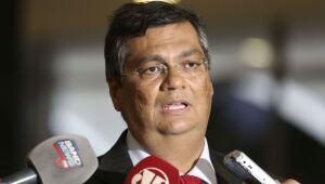 Governadores se revoltam com cancelamento de compra da vacina chinesa anunciado por Bolsonaro