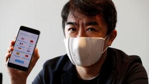 Máscara inteligente que fala nove idiomas será lançada em setembro