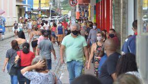Covid atingiu pico em Pernambuco, mas pode voltar a crescer, diz comitê científico