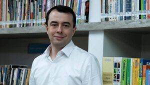 Secretário de Educação de SP é diagnosticado com Covid-19 após encontro com Doria