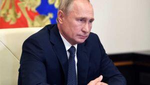 Putin anuncia vacina russa contra o coronavírus e diz que filha foi inoculada