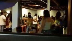 Bar no Janga é interditado, e dois, em Olinda, são notificados pelo Procon-PE