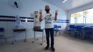 Yves Ribeiro vota em Paulista e se diz confiante na vitória