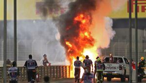 GP do Bahrein é interrompido após grave acidente com Grosjean