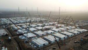 Cidade da China constrói às pressas enorme centro de quarentena contra Covid-19