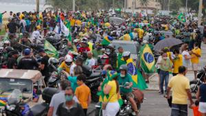 Manifestantes realizam ato pró-Bolsonaro em Jaboatão, neste domingo (20)