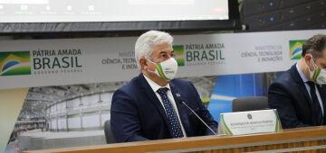 Marcos Pontes afirma que ministério apoia estudo de 15 vacinas