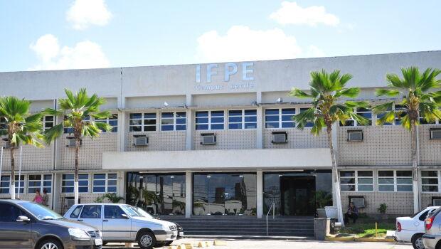 IFPE abre inscrições para 57 vagas de professor