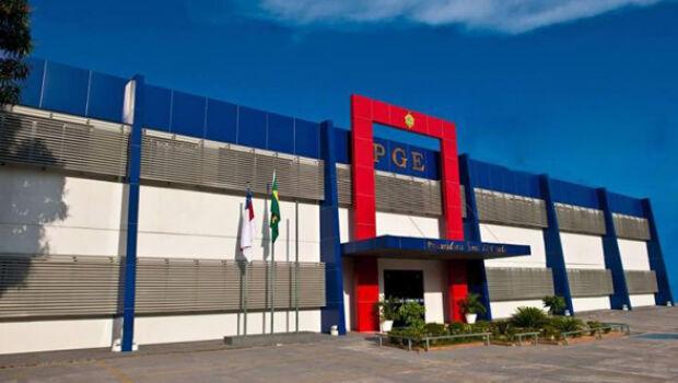 PGE-AM abre concurso para vagas de até R$ 20 mil