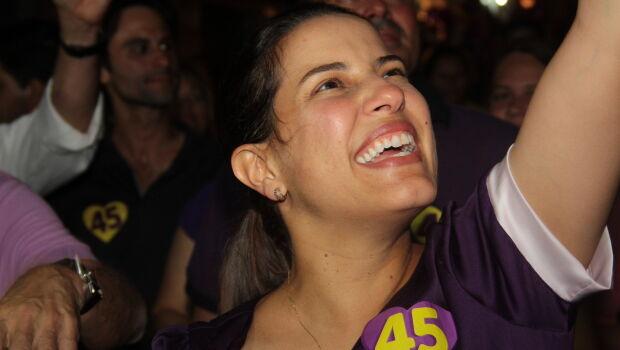 Raquel Lyra ganha direito de resposta em 12 inserções