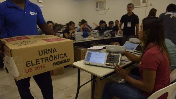 Eleições: TRE-PE inicia preparação de urnas para o 2º turno