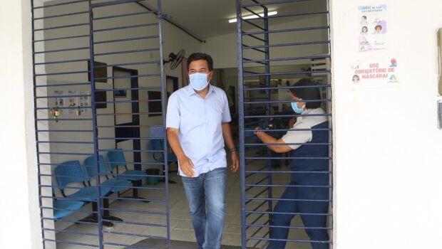 Mendonça apresenta programa que prevê atendimento em três turnos para rede de saúde do Recife