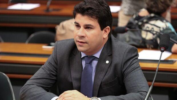 """Carlos Veras: """"Qualquer reajuste de tarifa de ônibus em plena pandemia é inadmissível"""""""