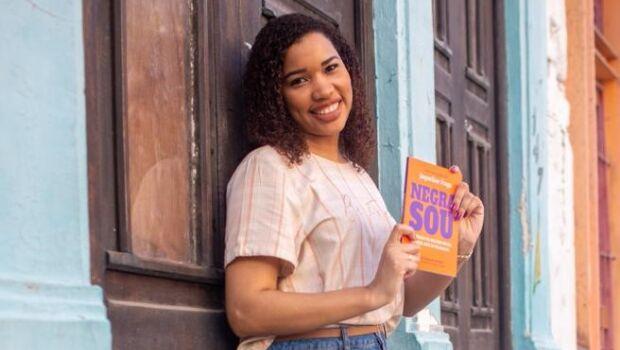 Livro inspira a mulher negra a perceber sua capacidade e seu valor