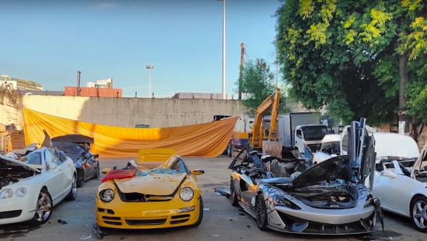 Agora com vídeo: veja a destruição de carros de luxo avaliados em mais de US$ 1,2 milhão nas Filipinas