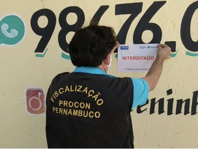 Os estabelecimentos descumpriam o decreto do Governo de Pernambuco