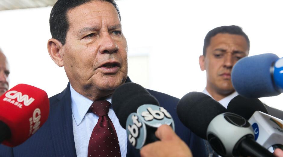 Mourão diz que Gilmar 'passou a linha da bola' e 'forçou a barra' ao criticar militares na Saúde