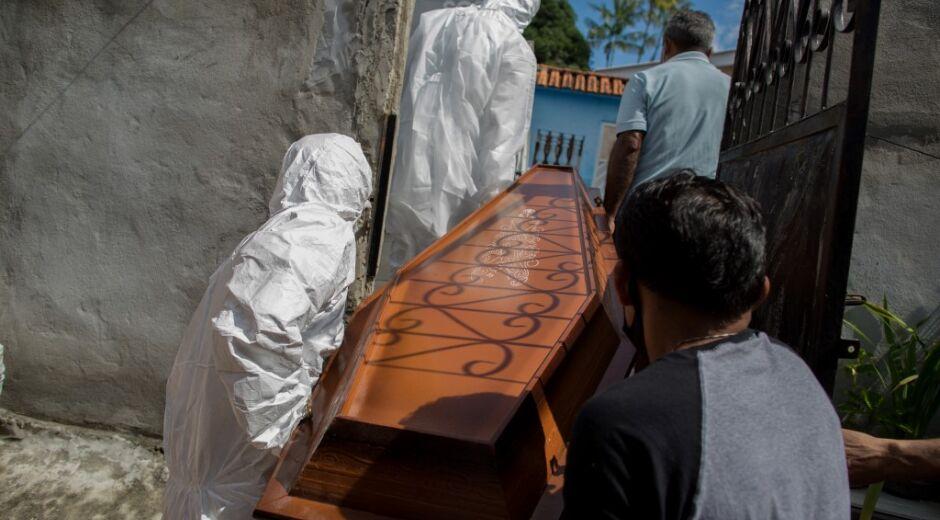 Brasil tem novo recorde de média diária de mortos pela Covid-19, acima de 3 mil