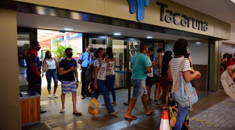 Shoppings centers expandem horário de funcionamento a partir desta segunda-feira (21)