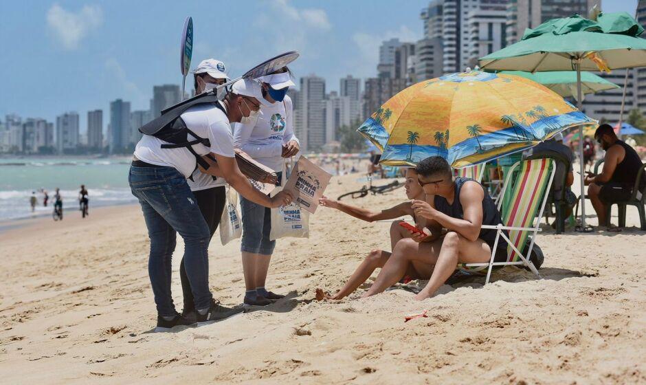 Ação ambiental atua na orla de Jaboatão dos Guararapes para preservar meio ambiente