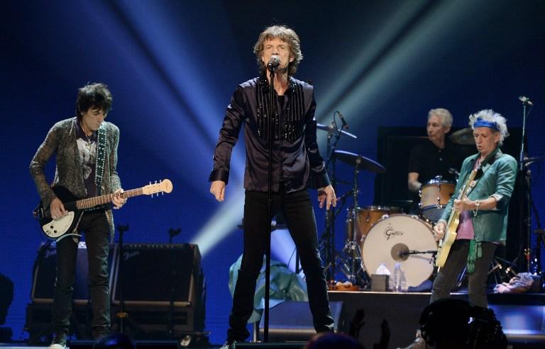 Os Rolling Stones se apresentando na California