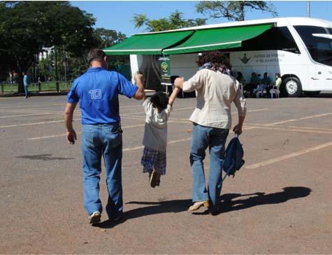 Adoção de uma criança é um gesto nobre