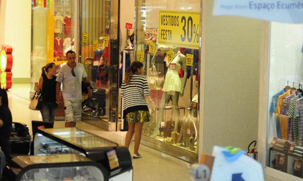Corredor de shopping