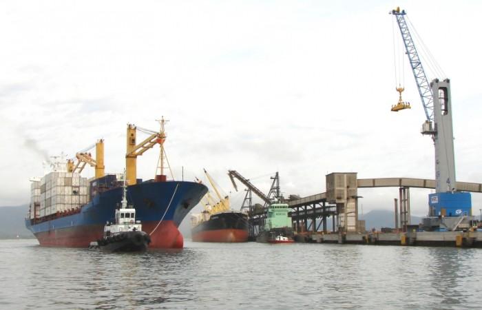 Área do porto de São Francisco do Sul (SC)