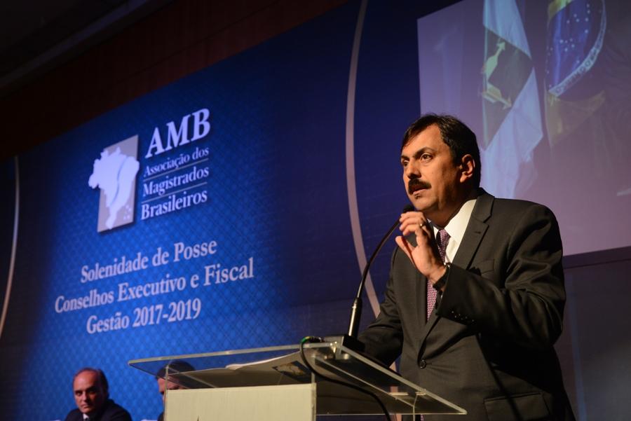 Presidente da AMB, Jayme de Oliveira