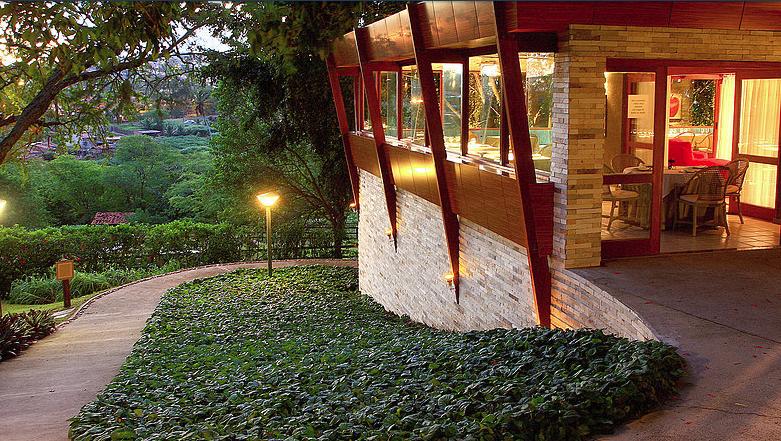 O hotel Oasis, em Gravatá, recebe projeto gastronômico itinerante do chef Armando Pugliesi