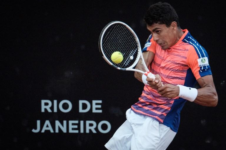 Thiago Monteiro durante partida no Rio Open