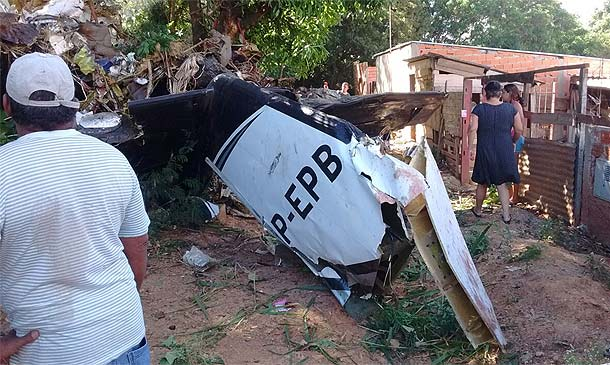 Avião cai em Sorocaba