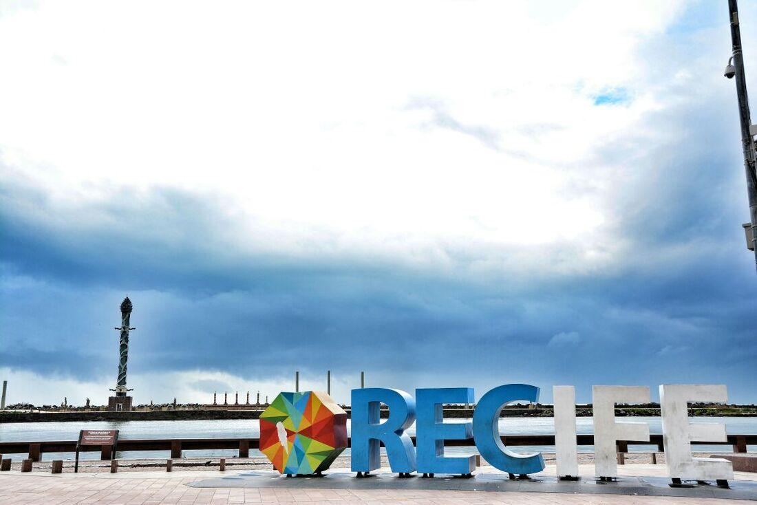 Céu nublado no Recife