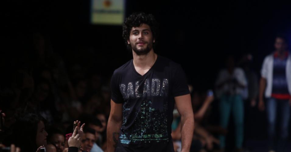Jesus Luz será o DJ do evento e ainda participa de bate-papo sobre moda