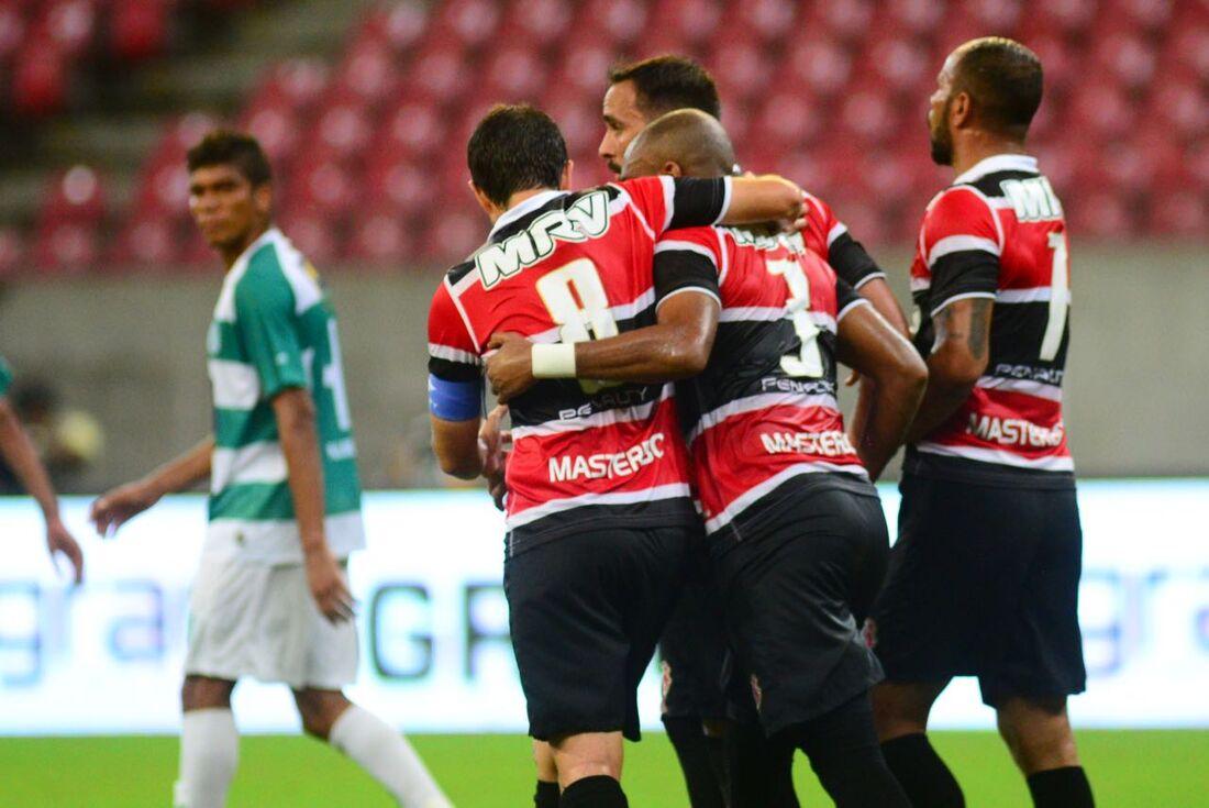 Anderson Salles comemora gol