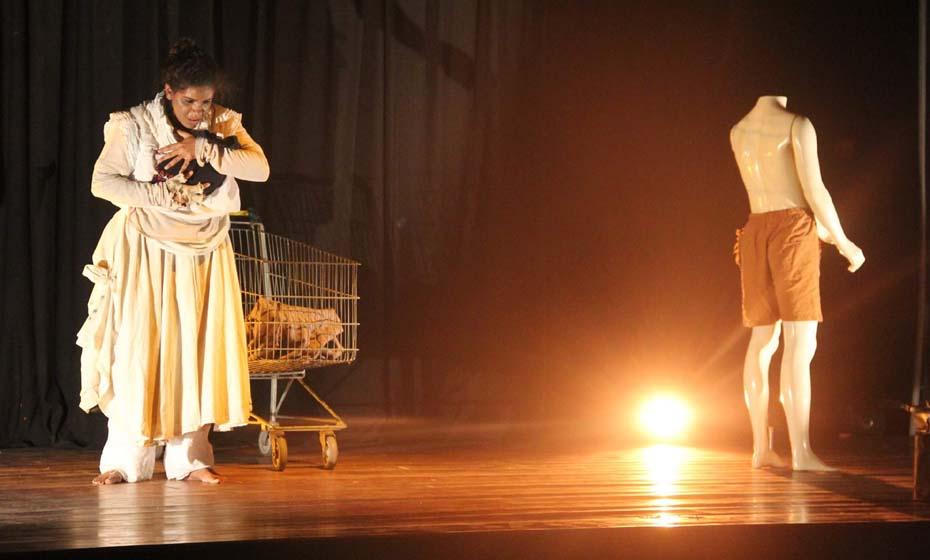 Peça no Vitrine Teatral em Limoeiro