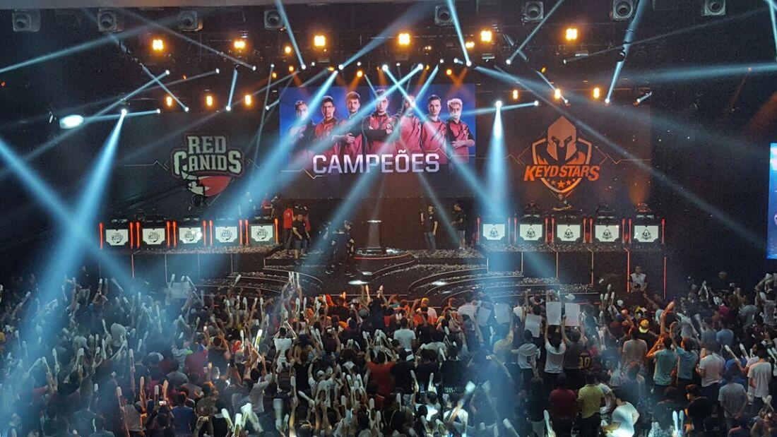 Red Canids campeã do CBLOL 2017