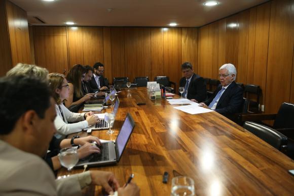 Ministro da Secretaria-Geral da Presidência da República, Moreira Franco, fala sobre leilão de linhas de transmissão, no Palácio do Planalto