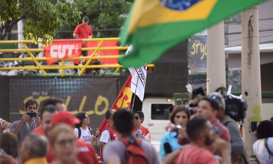 Protesto que ocorreu no Recife, semana passada, pela saída de Temer