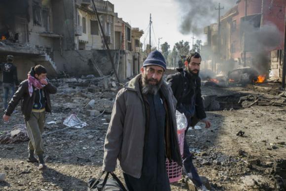 Conflitos em Mossul, no Iraque, têm cenário de destruição e mortes