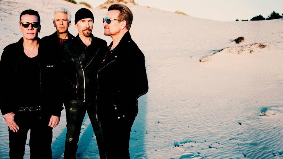Banda U2 celebra disco lançado em 1987