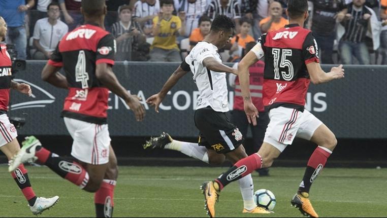 Artilheiro do Brasileirão, Jô (Corinthians) foi uma das principais contratações do mercado neste ano