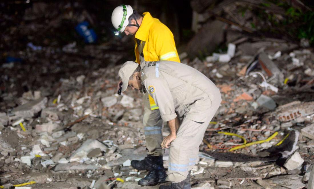 Prédio que desabou em Garanhuns era do tipo autoportante, comumento associado a riscos estruturais. Duas pessoas morreram