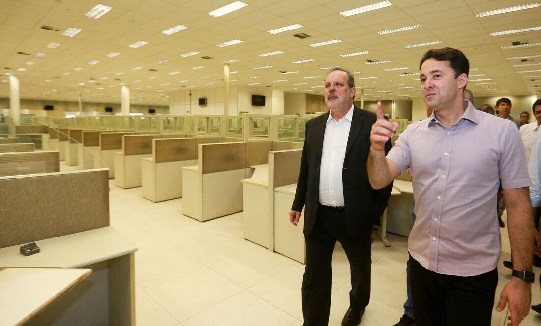 Armando visitou o novo complexo administrativo de Jaboatão, ao lado de Anderson Ferreira
