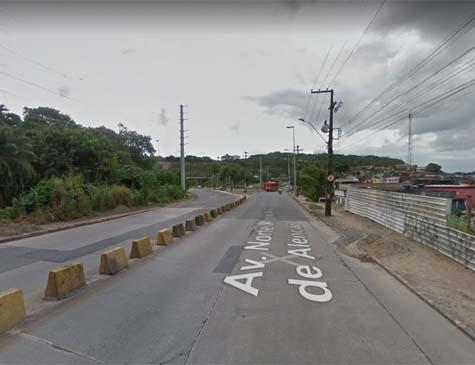 Avenida Norte, altura do TI da Macaxeira