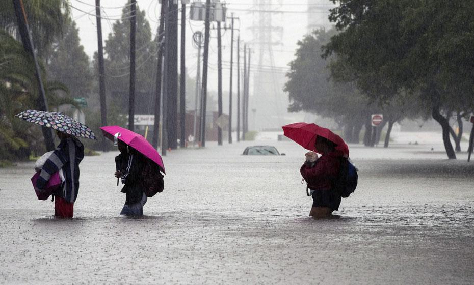 Furacão Harvey já atingiu mais de 400 mil pessoas