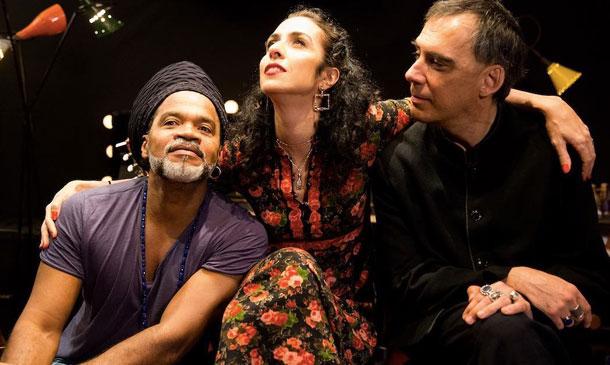 Carlinhos Brown, Marisa Monte e Arnaldo Antunes são os Tribalistas