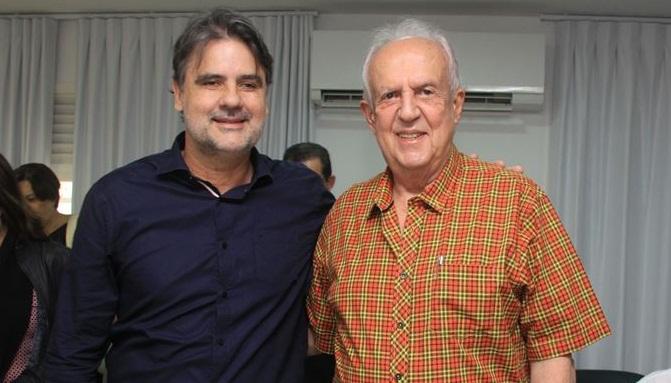 O vice-governador e secretário de Desenvolvimento Econômico, Raul Henry, e o deputado Jarbas Vasconcelos