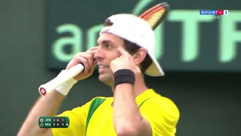 Guilherme Clezar faz gesto racista durante jogo da Copa Davis